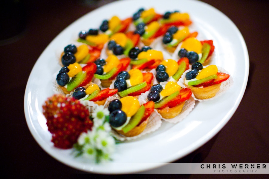 Wedding mini fruit tarts as Wedding Cake Alternatives