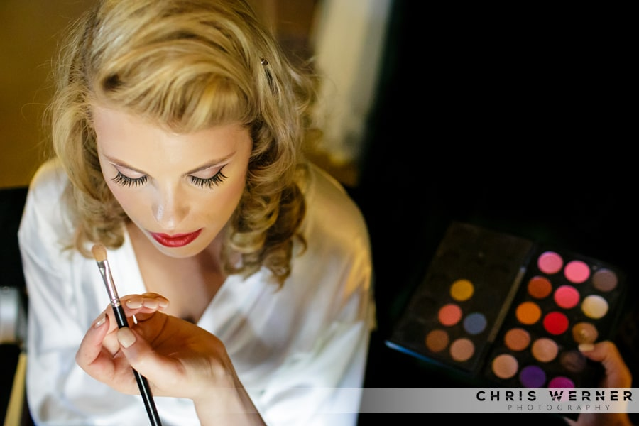 Makeup for a retro hipster bride at Fjeldheim Mountain Home Wedding.